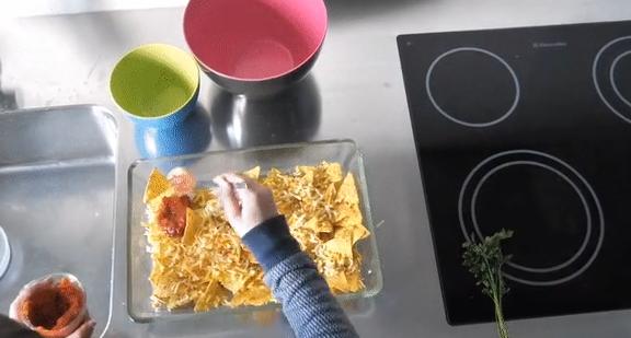 Überbackene Nachos mit Salsa und Käse: Lieblingsrezept