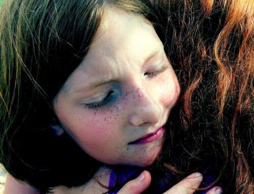 «Vergessene Kinder» in belasteten Familien